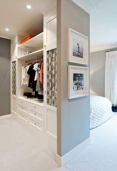 Royal Bed, Navy Blue Walls, Blue Wall Decor, House Goals, Bedroom Inspo, Walk In Closet, My Dream Home, Modern Interior, Interior Inspiration