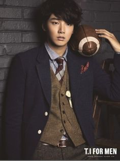 Yoon Si Yoon. Blazer, vest, tie, yum.
