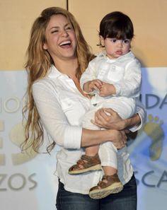 Shakira (with son Milan) {Rocking Mom}