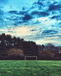 The best way to clear your head. Football Pitch, Football Is Life, Football Art, Football Stadiums, Street Football, Soccer Pro, Us Soccer, Soccer Players, Soccer Ball