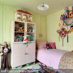 Buntes Kinderzimmer Mit Vielen Details