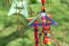 Un petit DIY à faire à 4 mains ou seul pour décorer le jardin, une terrasse… C'est ce que je vous propose aujourd'hui. Comme à chaque fois je vous explique le principe, l'idée générale et à vous de l'adapter en fonction de votre matériel, de vos envies et de vos enfants. Pour chez nous, avec …