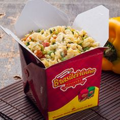 """Pessoal de #SantoAndre que quer praticidade no almoço mas não abre mão de comida brasileira agora tem uma boa opção: #InaugurouNoABC o Brasileirinho Delivery (@brasileirinhodelivery )! Eles possuem uma boa variedade de pratos em """"box"""" e atendem durante o almoço (das 10h às 14h). As opções vão desde feijoada a baião de dois, mas também possuem opções com salada!  Dá uma ligada lá:  (11) 2774-8250 / (11) 2774-6598  Rua dos Alpes, 319. Bairro: Vila Curuça."""