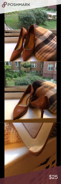 Nine West moc crock texture 2 1/2 inch heel. Great work pumps. Nine West Shoes Heels