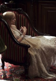 Carey Mulligan as Daisy Buchanan in The Great Gatsby (2013).