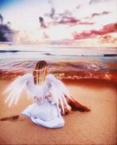 Beautiful Angels Pictures, Beautiful Gif, Angel Images, Angel Pictures, Background Images Wallpapers, Live Wallpapers, World Gif, Inspirational Backgrounds, Romantic Gif