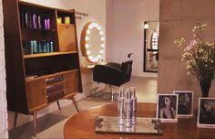 https://www.youtube.com/watch?v=oJlqz3o-pwE&feature=youtu.be Descubre Bajomisombrero #bcn #barcelona #look #peluqueria #vintage #hairsalon