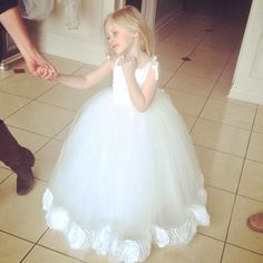 19d24b84eb9 Hot Sale New Cheap Flower Girls Pageant Dresses A Line Lace Appliques Gowns  With Belt Tulle Custom Made-in Flower Girl Dresses from Weddings   Events  on ...
