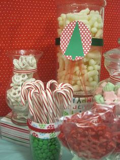 have a Christmas candy bar! Holiday Candy, Christmas Candy, Holiday Parties, Christmas Crafts, Christmas Ideas, Christmas Foods, Holiday Ideas, Christmas Birthday Party, Christmas Town