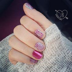 30 ideas which nail polish to choose - My Nails Uñas Jamberry, Jamberry Nail Wraps, Cute Nail Art, Beautiful Nail Art, Super Cute Nails, Pretty Nails, Light Blue Nail Polish, Thermal Nail Polish, Multicolored Nails
