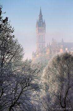Glasgow University from Kelvingrove Park, Scotland http://www.veltra.com/en/europe/uk/glasgow/ #Glasgow #Winter