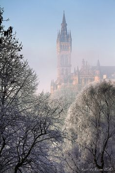 Glasgow University from Kelvingrove Park,Scotland tp