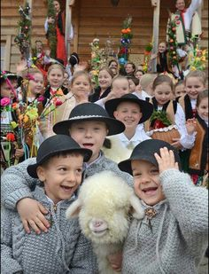 Easter in Poland 2015 We Are The World, People Of The World, Easter In Poland, Polish Easter Traditions, Polish People, Tatra Mountains, Native American Wisdom, Art Populaire, Central Europe