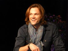There is No Magic on this Side.        starlightcrow:            nino-possy:            @jarpad                Supernatural Vegas Convention        Source: nino-possy          March 10, 2013 (3:11 am)          152 notes          #Jared Padalecki          #sincon          #vegascon          #Supernatural