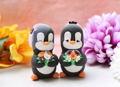 Unique Penguins cake toppers! For your cake or for a special handmade in Italy wedding gift! -- New clay: they look like velvety and are also super-lightweight!  The figurines are about 6.5-7.5cm (2.5-2.9) tall with hat/flowers. A little clear plastic sheet is applied on the bottom before shipping: it will keep the figurines clean on the cake so you will be able to have them as great keepsake to display after your big day! The listing includes a couple of penguins (groom and groom or bri...