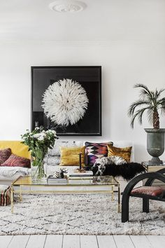 Loving all the textural elements in this lounge room! Texture can make a room feel so incredibly welcoming, warm and interesting!