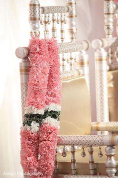 Pink/white floral garland for ceremony Indian Wedding Flowers, Flower Garland Wedding, Outdoor Indian Wedding, Indian Wedding Receptions, Indian Wedding Ceremony, White Wedding Bouquets, Floral Garland, Indian Wedding Decorations, Wedding Stage