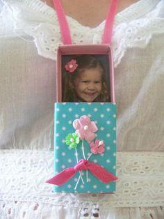 een matchbox ketting met foto via lilly cakes