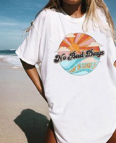 Bad Days Tee No bad days! With perfectly distressed, worn-in graphics, these tees have a vintage t-shirt look and feel.No bad days! With perfectly distressed, worn-in graphics, these tees have a vintage t-shirt look and feel. Trendy Outfits, Summer Outfits, Fashion Outfits, Beach Outfits, Ladies Fashion, Dress Fashion, Fashion Clothes, Fashion Fashion, Womens Fashion