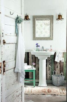 Rustic vintage bathroom   #bathroom