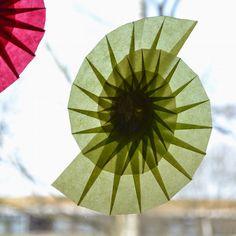 Bildergebnis für Transparentpapier blumen am Fenster
