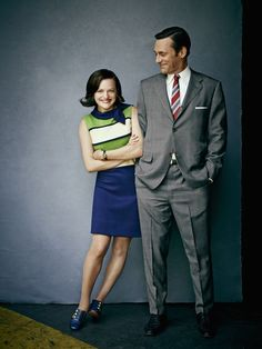Elisabeth Moss and Jon Hamm. Photo by Jeff LipskyYou can find Mad men and more on our website.Elisabeth Moss and Jon Hamm. Photo by Jeff Lipsky Elizabeth Moss, Don Draper, Betty Draper, Jon Hamm, Don Meme, Peggy Olson, Rock And Roll, Men Tv, Fritz Lang
