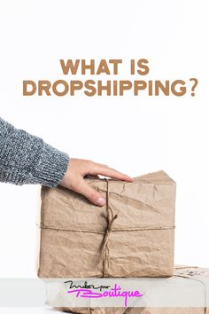If you're thinking about opening an online store you might want to familiarize yourself with dropshipping and how it works. Starting An Online Boutique, Selling Online, E Commerce Business, Online Business, Victoria Secret Swimwear, Handbags Online Shopping, Marchesa Spring, Drop Shipping Business, Indian Embroidery