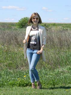Jeans Please http://www.emilyehardt.com #fashion #style #stylish #beauty #beautiful #makeup #pretty #pastel #jeans #jacket #StayClassy