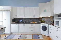 Home Design Gallery Small L Shaped Kitchens, L Shaped Kitchen Designs, Layout Design, L Shape Kitchen Layout, Interior Exterior, Apartment Design, Kitchen Cabinets, House Design, Living Room