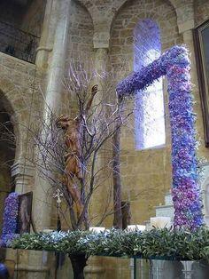 Artist Nora Luz Mendez Florist Altar Flowers, Church Flowers, Church Stage, Christian Decor, Flower Festival, Altar Decorations, Church Design, Creative Decor, Floral Arrangements