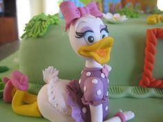 Daisy Duck Cake Daisy Duck Cake, Donald Duck Cake, Daughter Birthday, 5th Birthday, Birthday Ideas, Birthday Cake, Daisy Party, Mikey Mouse, Princess Carriage