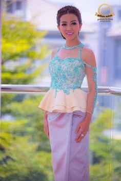 khmer traditional dress Skirt Patterns, Kebaya, Traditional Dresses, Cambodia, African Fashion, Peplum Dress, Asian, Blouse, Skirts