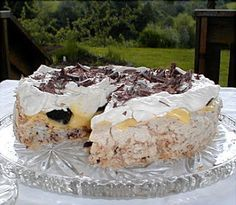Mine Oppskrifter: Islandskake Pudding Desserts, No Bake Desserts, Sweets Cake, Cupcake Cakes, Cake Recipes, Dessert Recipes, Banana Split Dessert, Norwegian Food, Sugar Free Recipes
