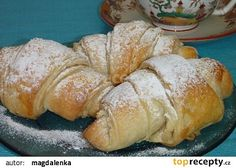Jednoduché máslové croissanty recept - TopRecepty.cz