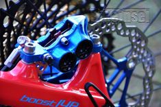 "Pivot Firebird ""red eagle"" custom - custom bike by www.bikeinsel.com  #Pivot #Firebird #bikeinsel #SramEagle #Foxracingshox #Hope Firebird, Custom Bikes, Eagle, Vehicles, Mtb Bike, Eagles, Custom Motorcycles, The Eagles, Custom Bobber"