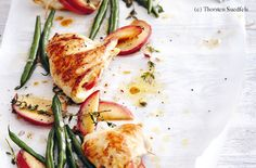 Hühnerschnitzel mit Apfel-Thymian-Fülle und Fisolensalat Billa, Yummy Food, Chicken, Meat, Easy Meals, Food Food, Cooking, Recipies, Delicious Food