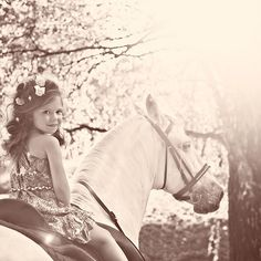 Love this picture:-) anyone have a horse we can borrow?