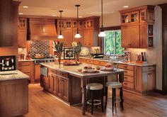 40 Awesome Craftsman Style Kitchen Design Ideas - crompton news Mission Style Kitchens, Craftsman Style Kitchens, Modern Farmhouse Kitchens, Home Kitchens, Remodeled Kitchens, Cottage Kitchens, Small Kitchens, Dream Kitchens, Kitchen Cabinet Styles