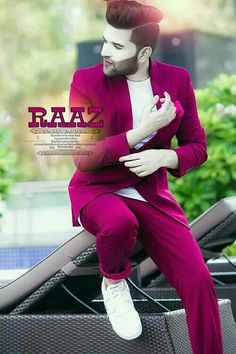Looking for the Guru Randhawa Wallpaper? So, Here is Collection of Punjabi Singer Guru Randhawa Wallpapers & images With hair Style Cute Boys Images, Boy Images, Boy Pictures, Girl Photos, Stylish Boys, Stylish Girls Photos, Boy Poses, Poses For Men, Cute Love Couple