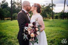 INNA Studio_wedding in marsala colors / wedding bouquet / bukiet ślubny / bordo / brzoskwinia / fot. TAK - fotografia ślubna