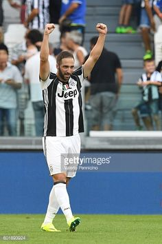 Gonzalo Higuain of Juventus FC celebrates a goal during the Serie A match between Juventus FC and US Sassuolo at Juventus Stadium on September 10...