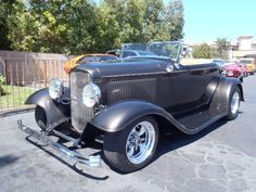 1932 Ford Roadster   901877