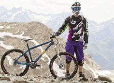 Frank Schneider, ganador del MEGAVALANCHE MASTER CHALLENGER CLASS en una rígida single speed Nicolai Mtb Bike, Bmx, Bicycle, Places In Spain, Play Tennis, Lifeguard, My Passion, Mountain Biking, Skiing
