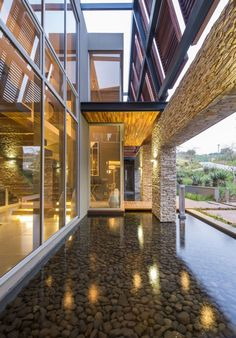 Albizia House by Metropole Architects | HomeDSGN