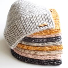 knit headband pattern Ravelry: The Lighthouse Hat pattern by cold comfort knits Knit Headband Pattern, Knitted Headband, Knitted Hats, Crochet Hats, Knit Crochet, Beanie Pattern, Knitting Patterns Free, Knit Patterns, Knitting Yarn