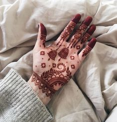 Mehndi or Henna for Fingers Designs Floral Henna Designs, Full Hand Mehndi Designs, Henna Art Designs, Mehndi Designs For Girls, Stylish Mehndi Designs, Mehndi Designs For Beginners, Dulhan Mehndi Designs, Mehndi Design Photos, Wedding Mehndi Designs