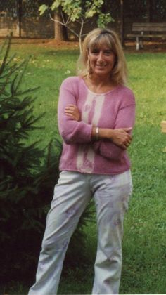 2001- Che carino questo maglioncino, un pò lo stile Bho di ora, i pantaloni avevano i fiori rosati