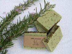 3 Oily Skin Soap Recipes [com Ingredientes Naturais] Homemade Soap Recipes, Soap Bubbles, Soap Packaging, Home Made Soap, Natural Cosmetics, Handmade Soaps, Bar Soap, Soap Making, Diy Beauty