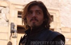 @PopeJessica #Musketeers 3 It's Friday everyone - pub??