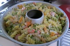 """Nudelauflauf Omnia As soon as taking meals, site activity can be """"wiggle room. Camping Food Checklist, Camping Meals, Camping Oven, Camping Hacks, Meals No Refrigeration, Avocado Pesto Pasta, Foil Pack Dinners, Noodle Casserole, Baked Ziti"""